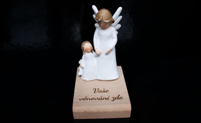 Anděl strážný s holčičkou soška