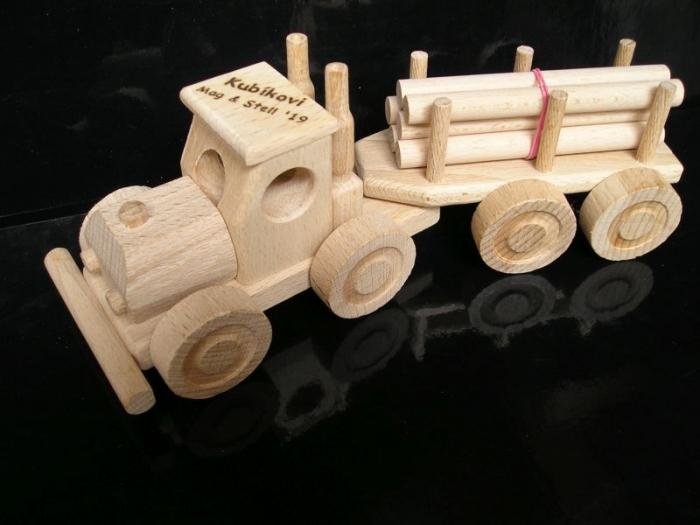 Lesní nákladní auto dárek