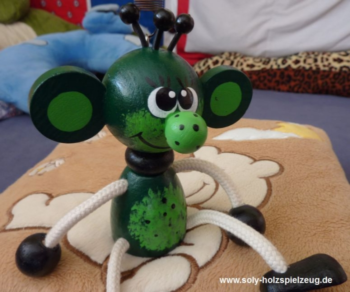 hracky-skritek-elf-na-pruzine