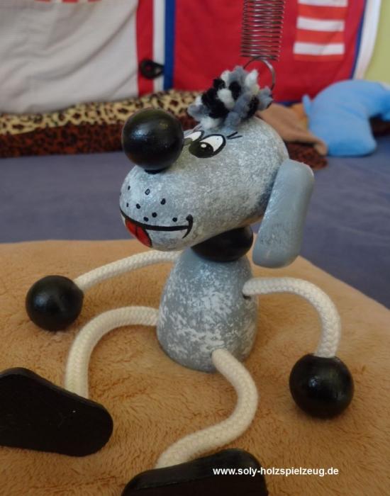 Pejsek hračka na pružině