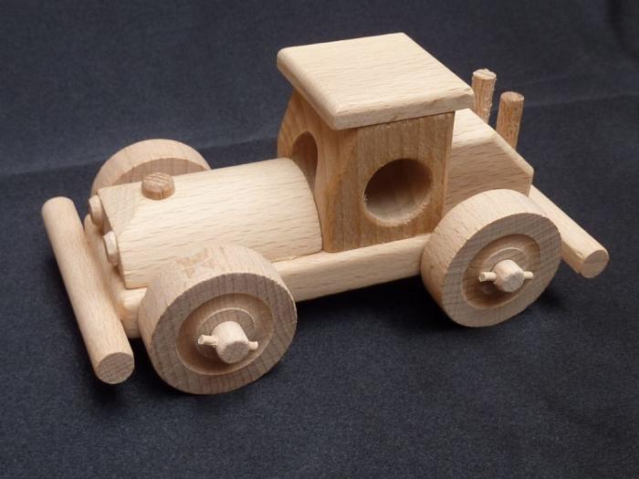 Závodní autičko ze dřeva
