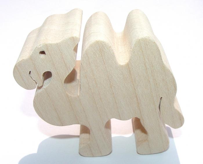 Dřevěná figurka velbloud