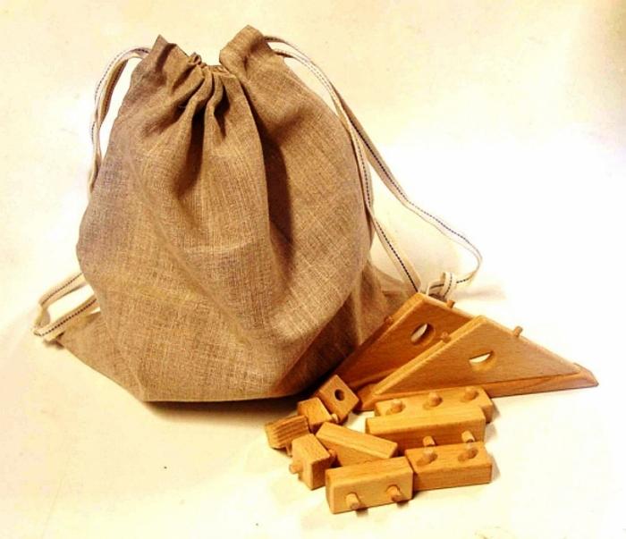 Dřevěné kostky na skládání