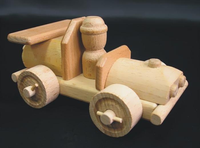 Dřevěná garáž stavebnice s autinem