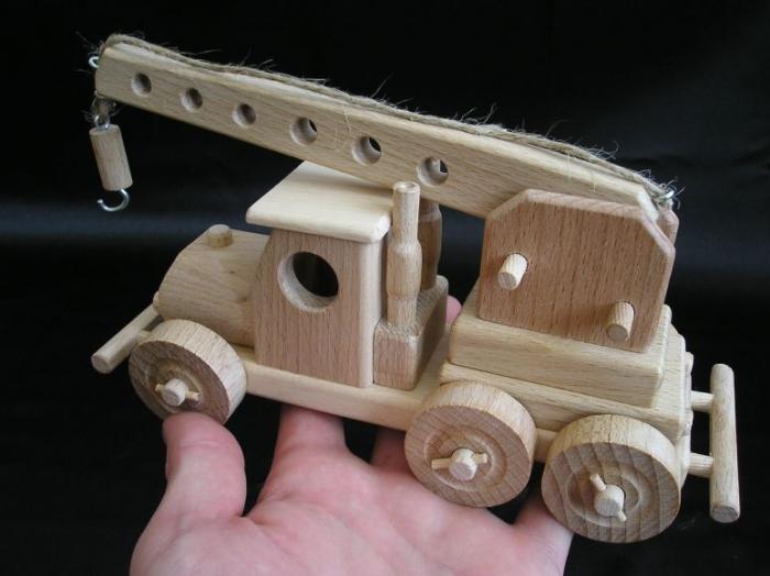Autojeřáb - hračky pro kluky a holky.