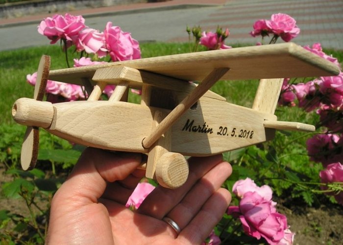 Pilatus dřevěné letadlo hračka dárek