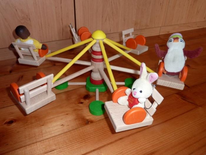Dřevěný kolotoč - hračka