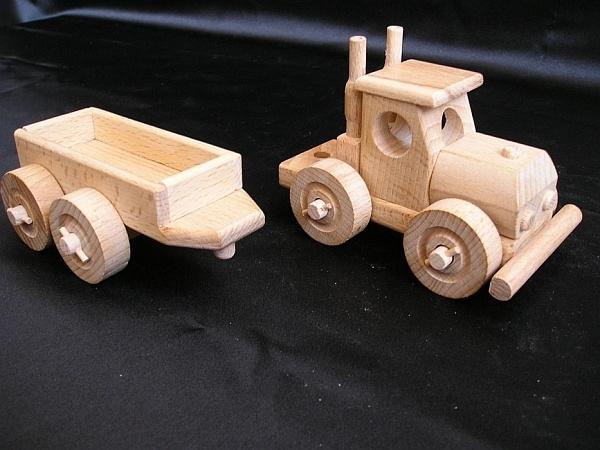 Nákladní auto, dřevěné hračky