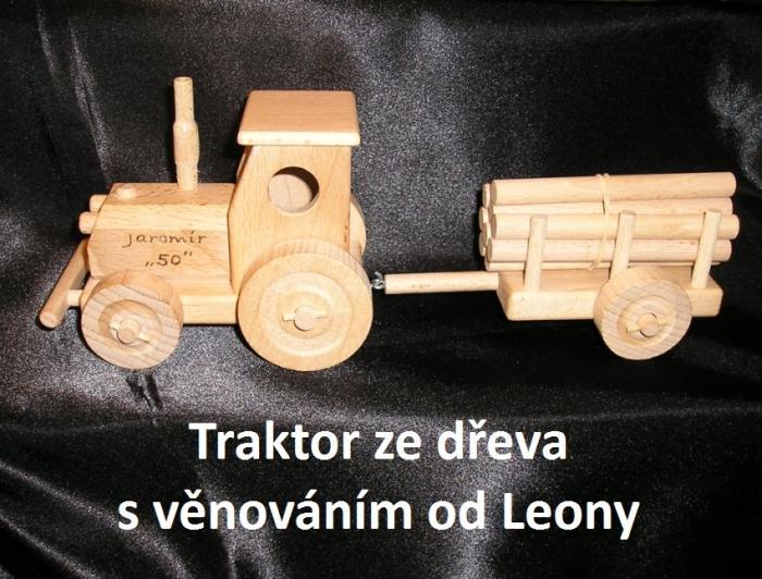 Traktor - hračky s gravírovaným věnováním k narozeninám