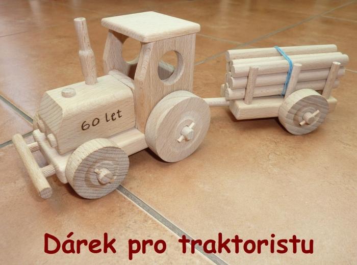 Dárek pro traktoristu - dřevěný traktor