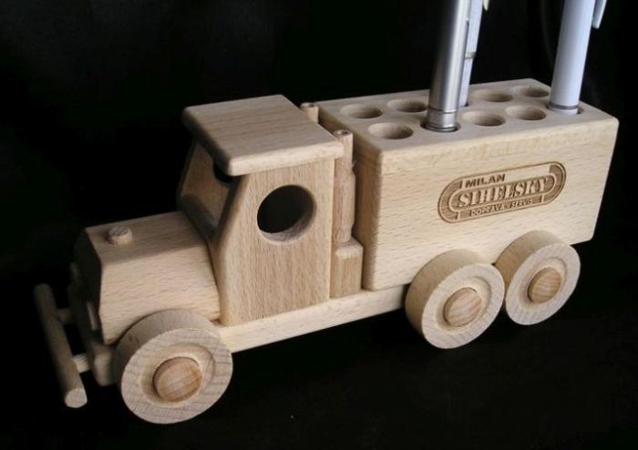 Dřevěný stojánek na propisky promo předměty