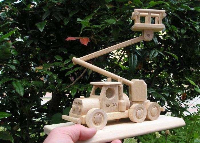 Zvedací plošina hračka s textem