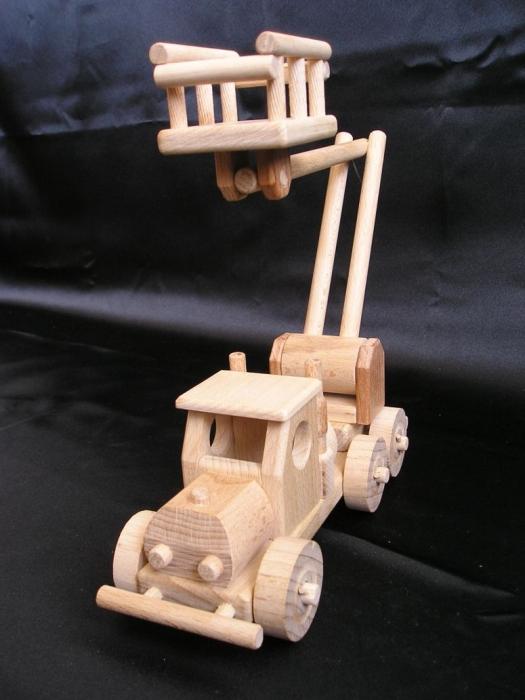 Dřevěná zvedací plošina - hračka