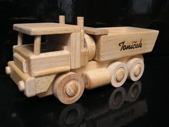 Tatra nákladák s textem k narozeninám
