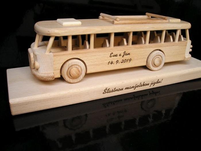Svatební dar symbolické vozidlo autobus