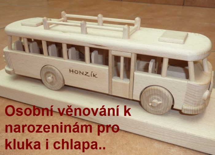 Autobusy, dárky s věnováním kamarádovi