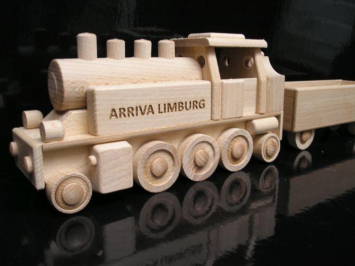 Vlak lokomitiva s textem