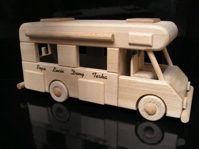 Karavan dřevěný dárek hračka