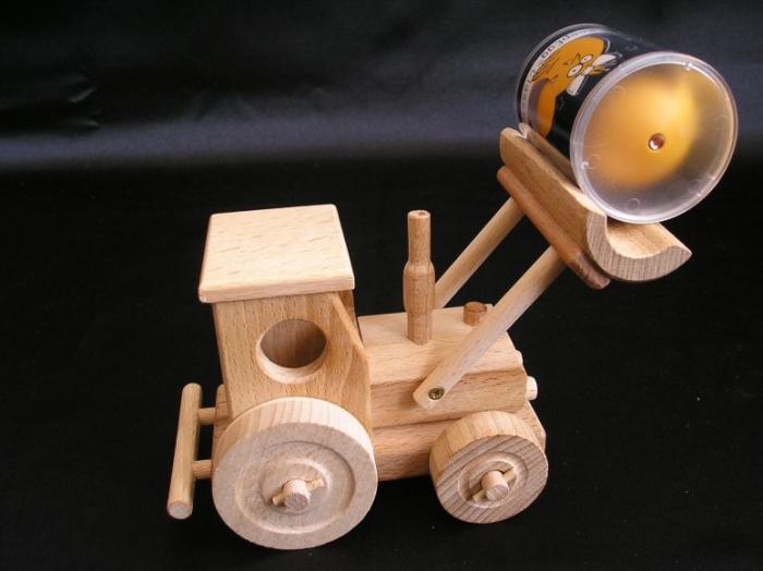 radlice-s-traktorem-hracky-na-vanoce