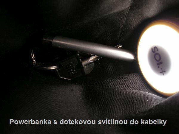 Powerbanka s dotekovou svítilnou