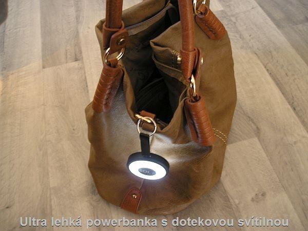 Lehká svítilna s powerbankou