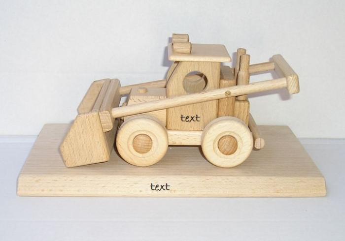 Dřevěný traktor - zemědělský nakladač