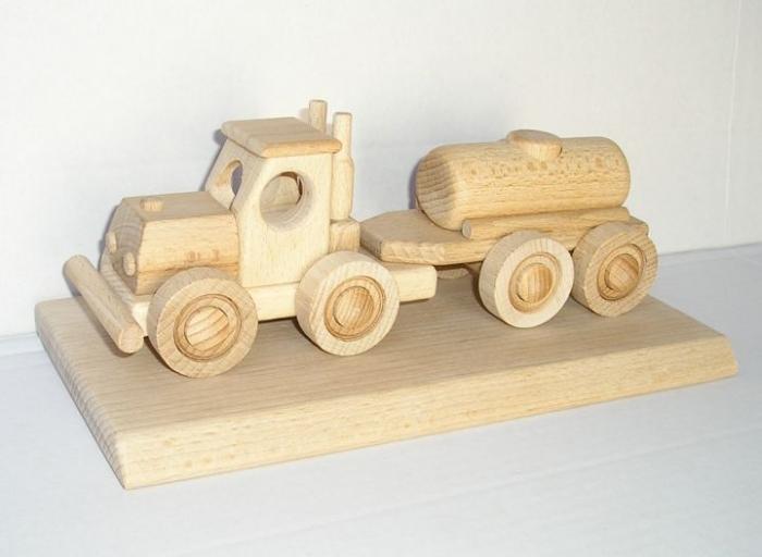 Cisterna vozidlo hračka dárek