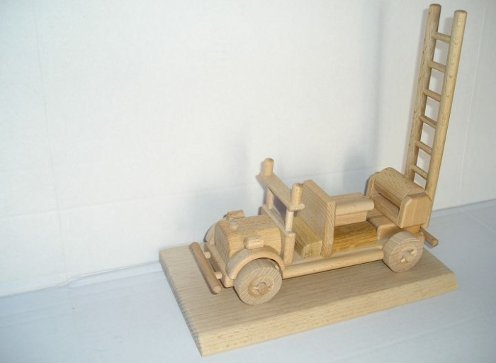 Hasičské auto dřevěné hračky