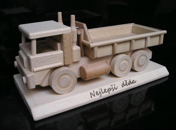 Nákladní auto hračka dárek pro řidiče