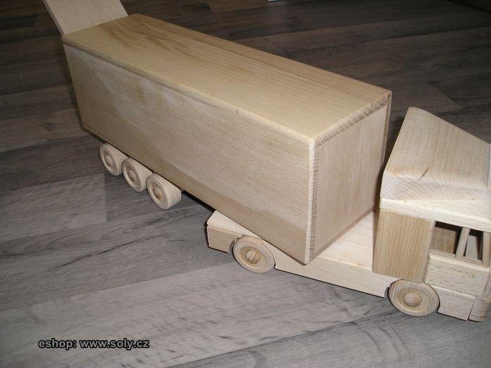 Dřevěný kamion hračka s držákem na víno