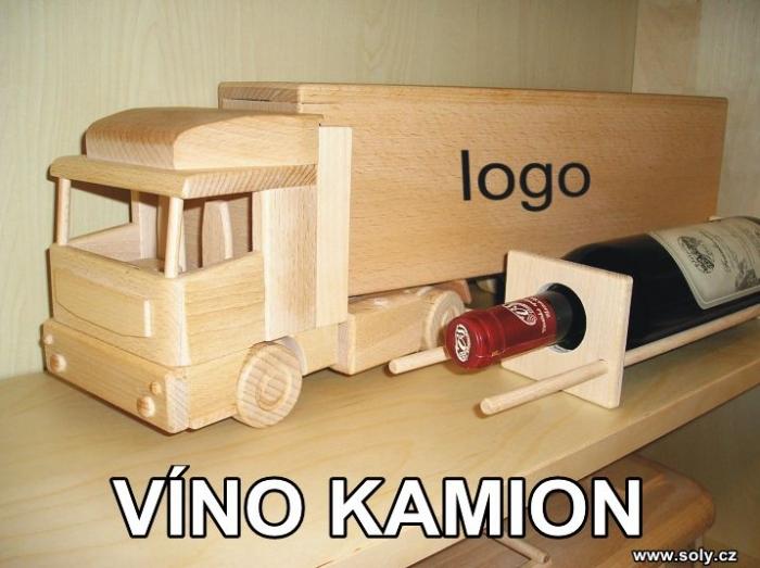 Víno kamion, dřevěná masivní hračka