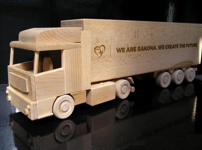 Kamion dárek pro řidiče kamionů s věnování