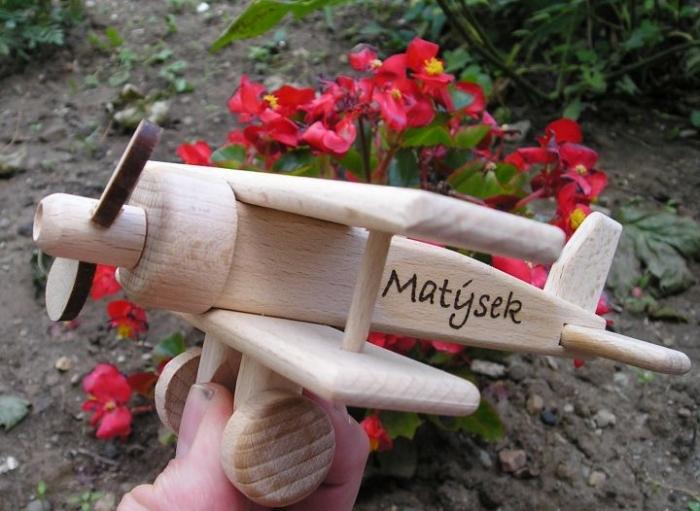 100 % dřevěné letadlo včetně textu do 12 znaků