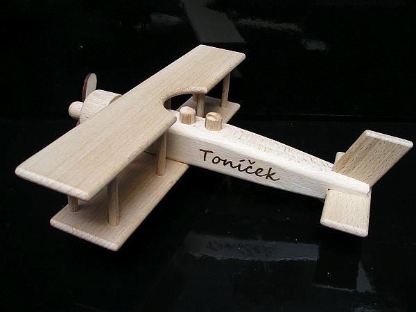 Velké letadlo dvouplošník, dřevěné