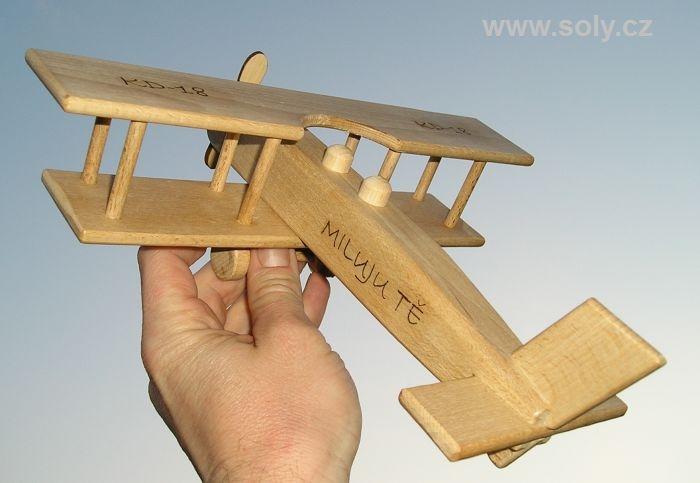 Velké letadlo dvouplošník