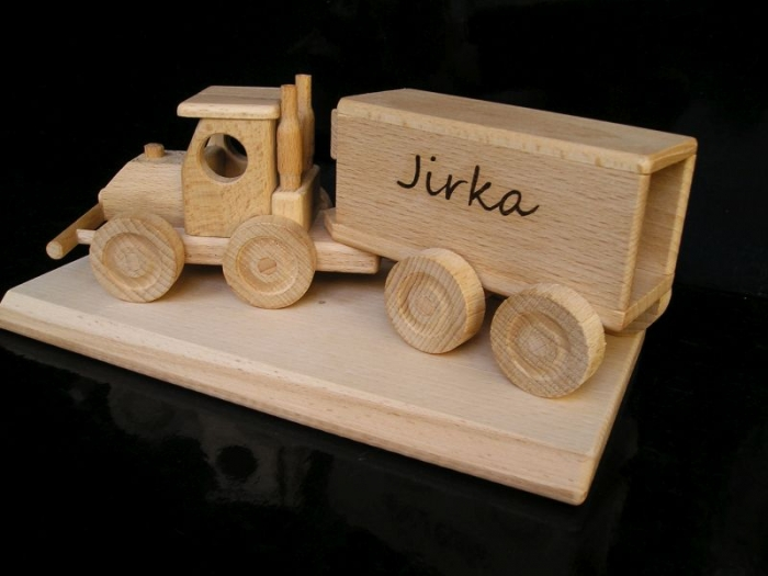 TIR kamion. Dárek pro řidiče, šoféra kamionu
