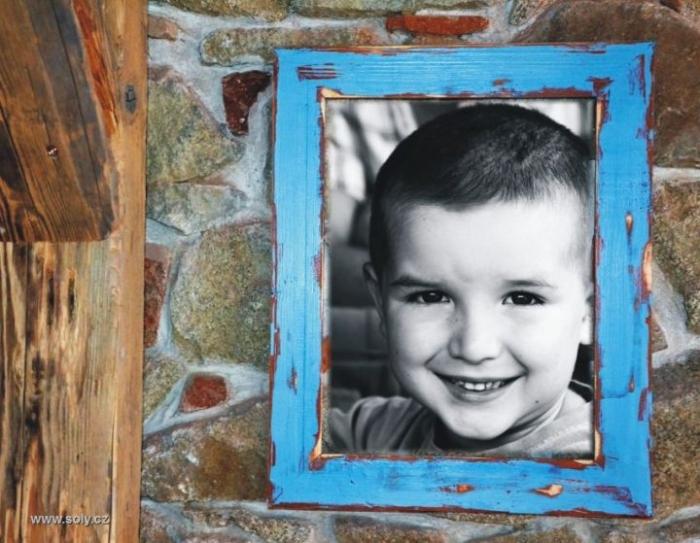 Dřevěné retro rámy na obrazy, fotky, plátna, modrý