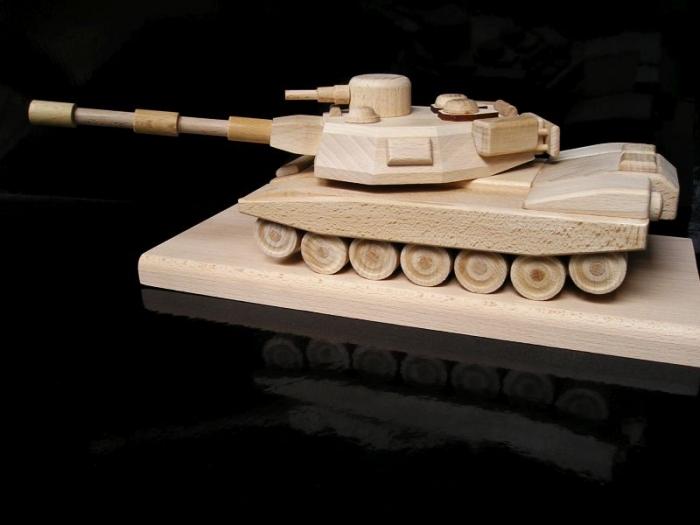 darky vojenský tank