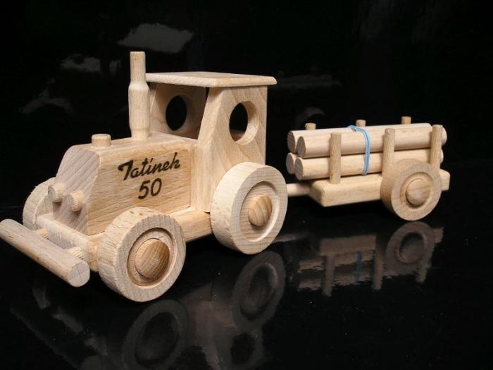 Traktory hračky levné
