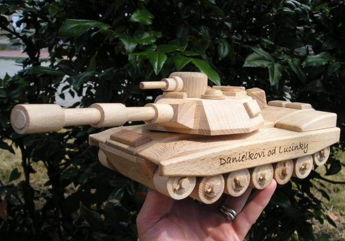 hračky pro kluky tanky