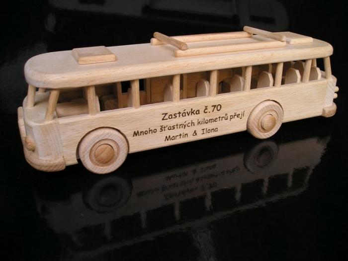 Hračky autobus praha