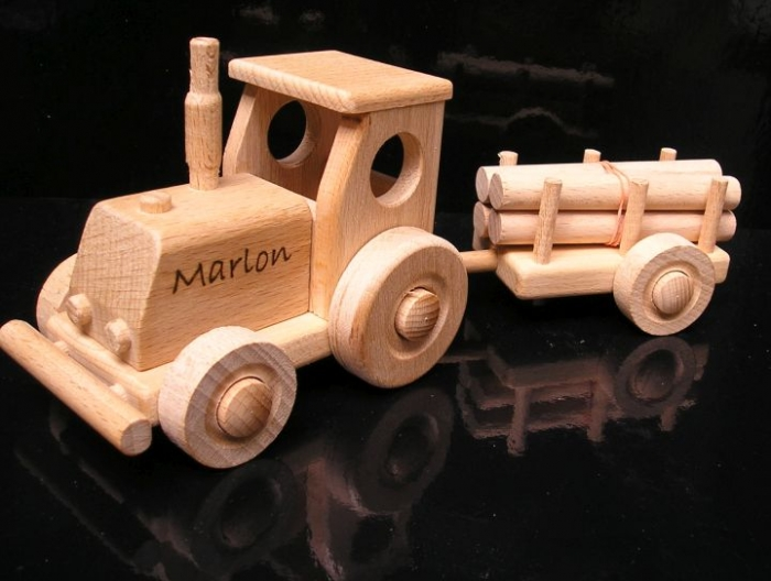 Dřevěný traktor obchod Praha