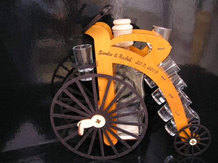 Dárek pro cyklistu, kolo alkohol