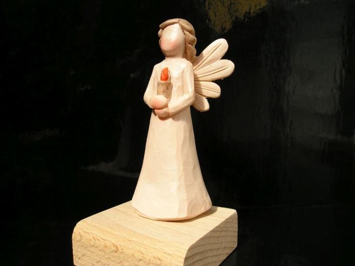 Andělé figurky