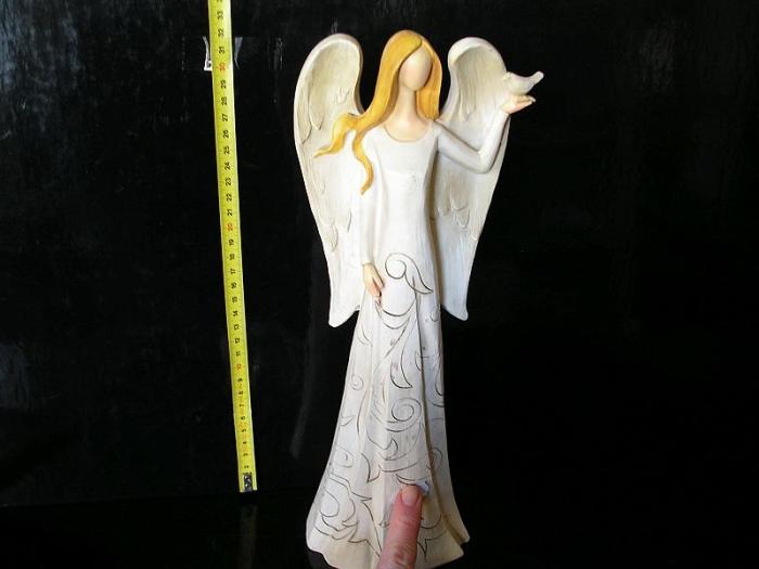 Velký anděl s holubicí, keramická soška dekorace