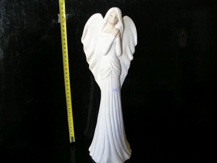 Bílý anděl, andělíček ochránce ze sádrý, dekorace, soška