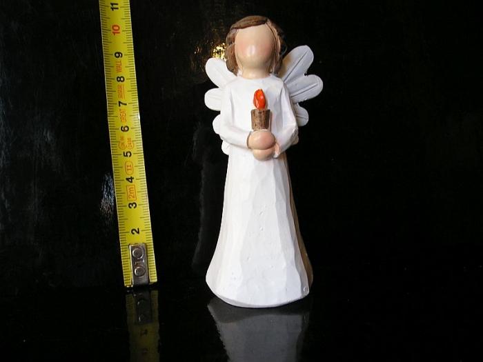 Malý bílý andělíček se svíčkou, sošky dekorace