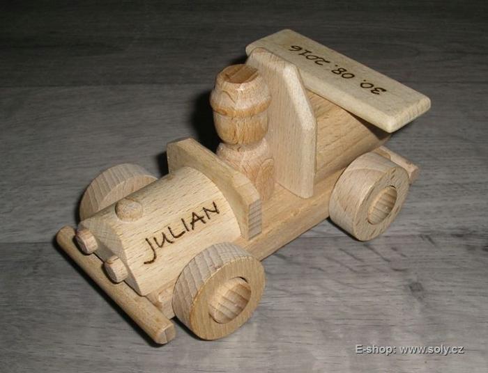 Dřevěné autíčko pro děti na hraní