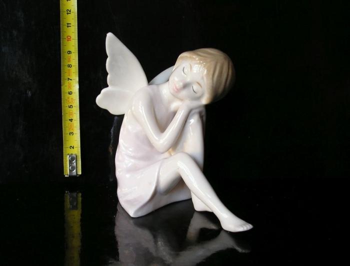 Luxusní keramický anděl, bytové dekorace sošky
