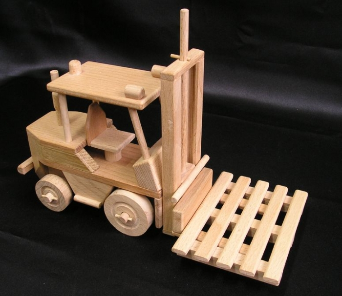 vysokozdvizne-voziky-jesterky-hracka-pro-kluky